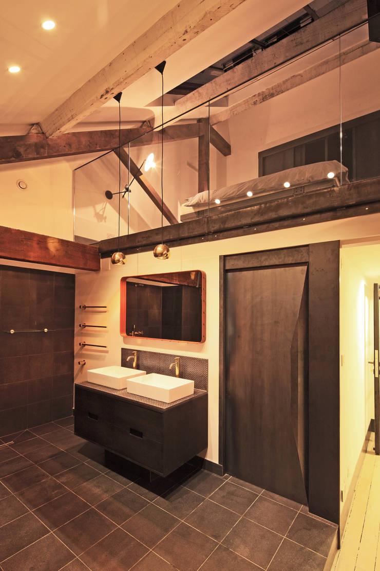 Bathroom :  Bathroom by Perfect Integration