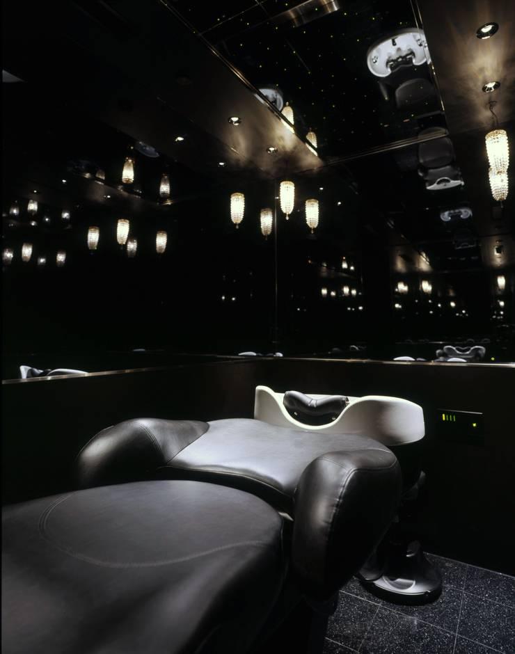 Head Spa Room: Shigeo Nakamura Design Officeが手掛けたオフィススペース&店です。,