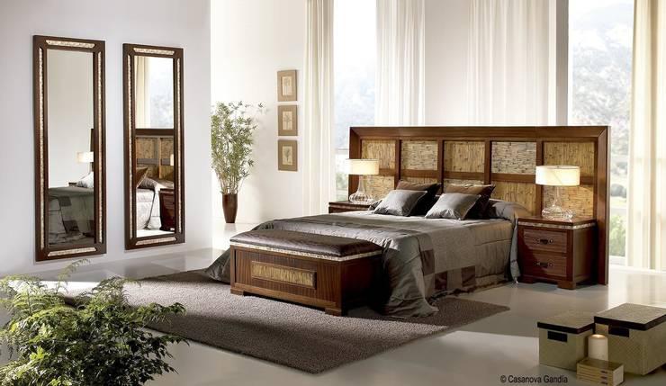 Dormitorio Karey: Dormitorios de estilo  de CASANOVA GANDIA