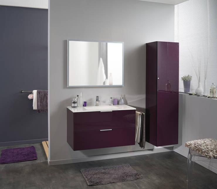 Salle de bains LUXY aubergine: Salle de bain de style  par PARISOT