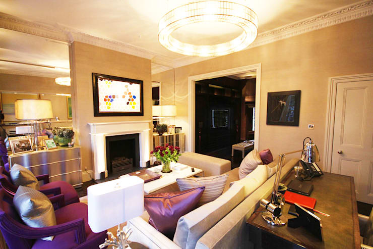 London Townhouse :  Living room by Perfect Integration