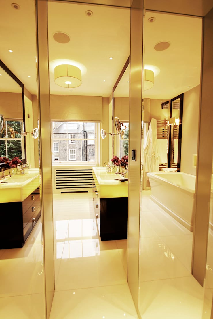 London Townhouse :  Bathroom by Perfect Integration
