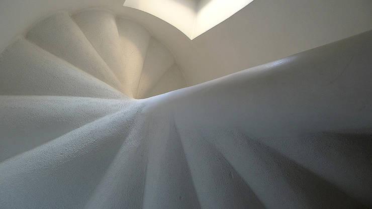 Casa V:  in stile  di Sergio Prozzillo Ass.ti, Mediterraneo