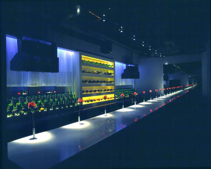 Bar counter-1: Shigeo Nakamura Design Officeが手掛けたオフィススペース&店です。