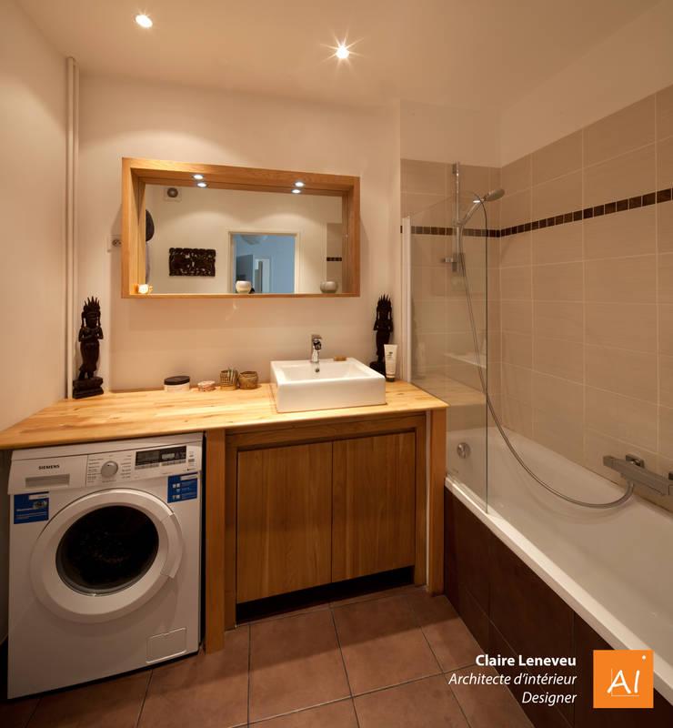 Salle de bain chaleureuse et intimiste: Salle de bains de style  par Claire Leneveu