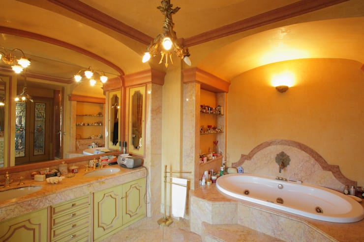 La Dimora di Valverde: Bagno in stile  di Architetto Giuseppe Prato