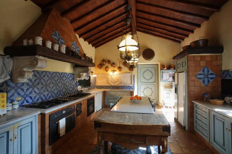 Cocinas de estilo  por Architetto Giuseppe Prato