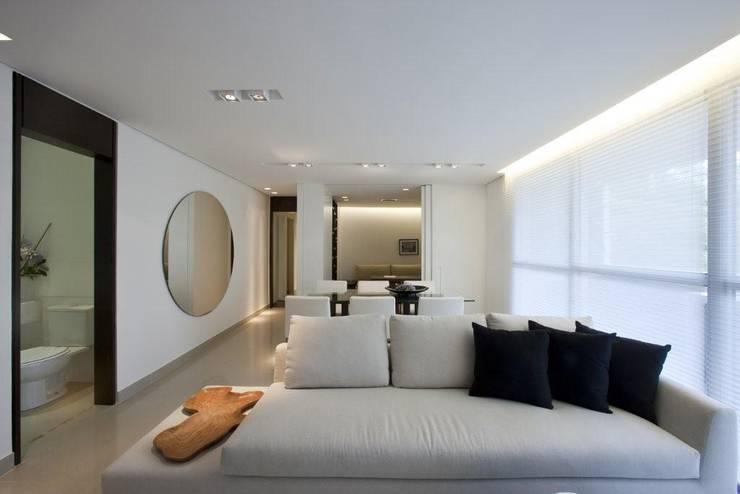 Decorado : Salas de estar  por Jaqueline Frauches Arquitetura e Interiores