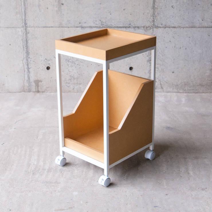 XS_wagon: MEDIUMが手掛けた勉強部屋/オフィスです。