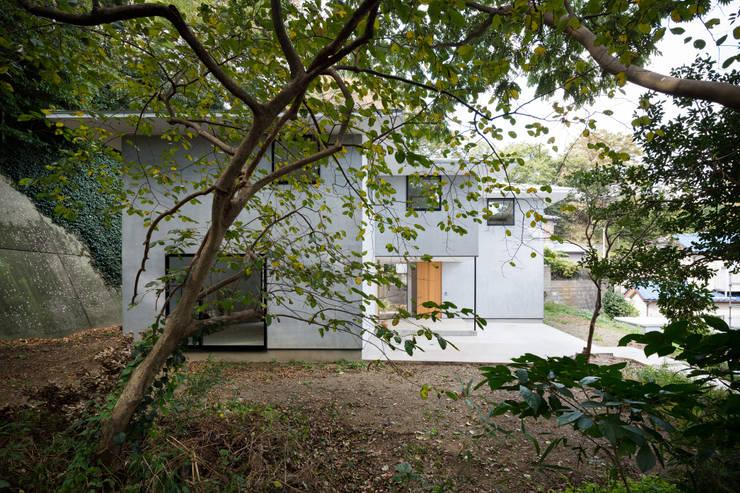 Houses by 栗原隆建築設計事務所, Modern