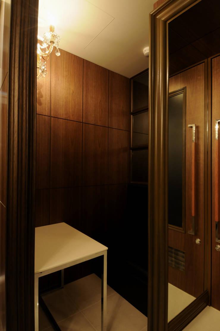 ウェイテングシート席: Shigeo Nakamura Design Officeが手掛けたオフィススペース&店です。
