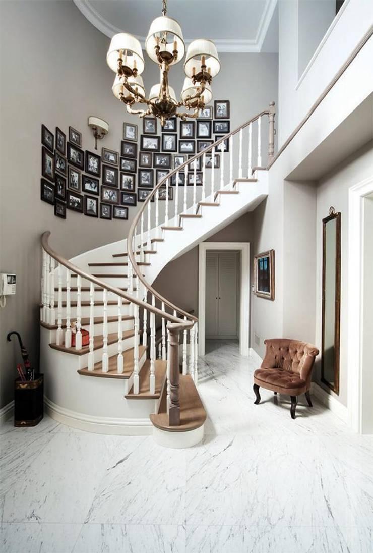 LANTANA PARKE – Ahşap Merdiven: modern tarz , Modern