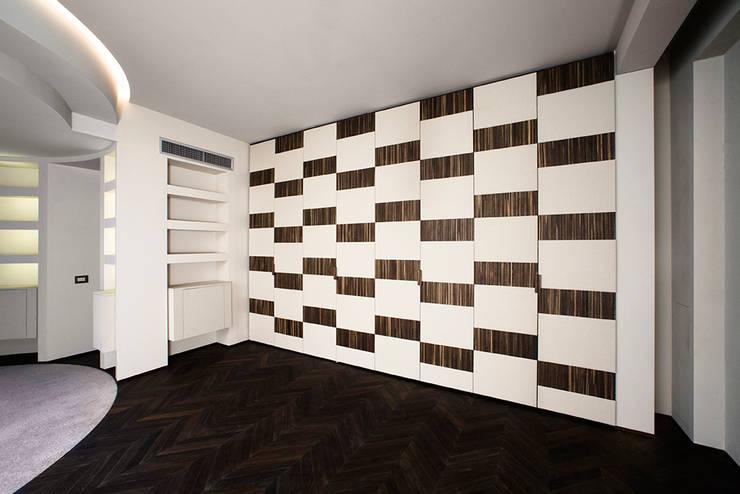 Projekty,  Sypialnia zaprojektowane przez Arredamenti Caneschi srl