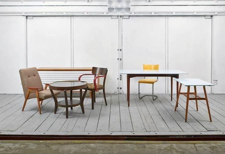 Classics + Corian:  Living room by studio deFORM