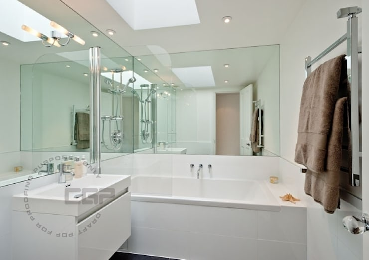Chelsea Family House:  Bathroom by Black and Milk | Interior Design | London