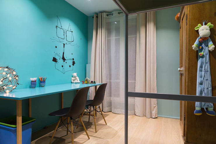 moderne Häuser von Agence d'architecture intérieure Laurence Faure