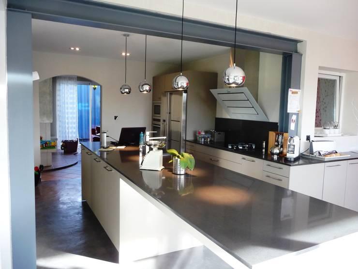 Kitchen by ALEXANDRA BETANCOURT ARCHITECTE, Modern