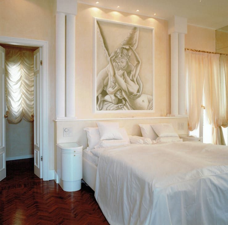 Dettaglio camera da letto padronale: Camera da letto in stile  di Studio Mingaia