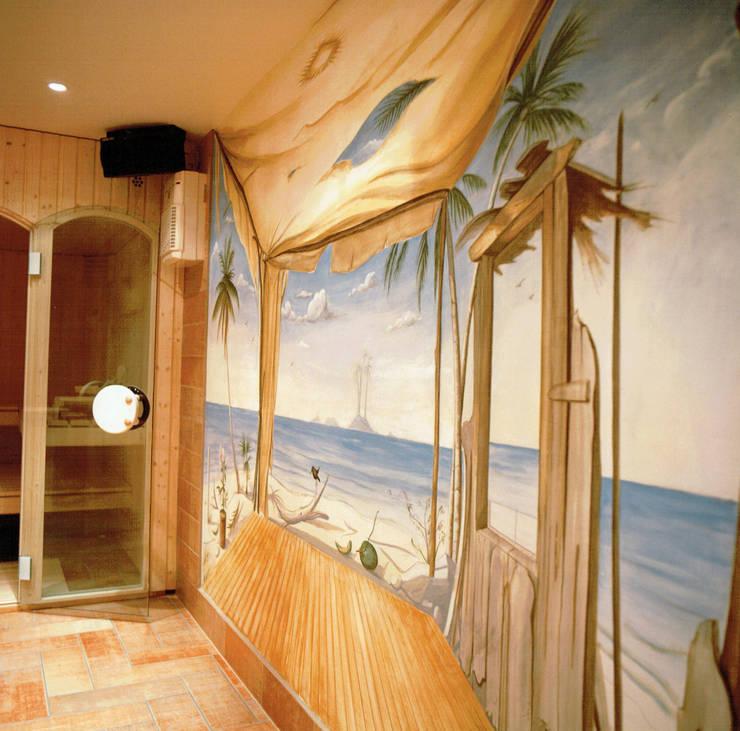 Dettaglio area wellness: Spa in stile  di Studio Mingaia