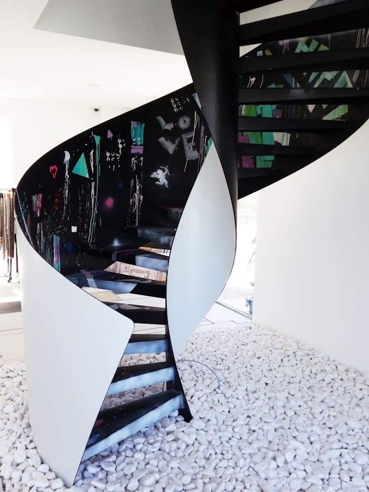 Konu Merdiven – Çağdaş Design Works Merdiveni: modern tarz Koridor, Hol & Merdivenler