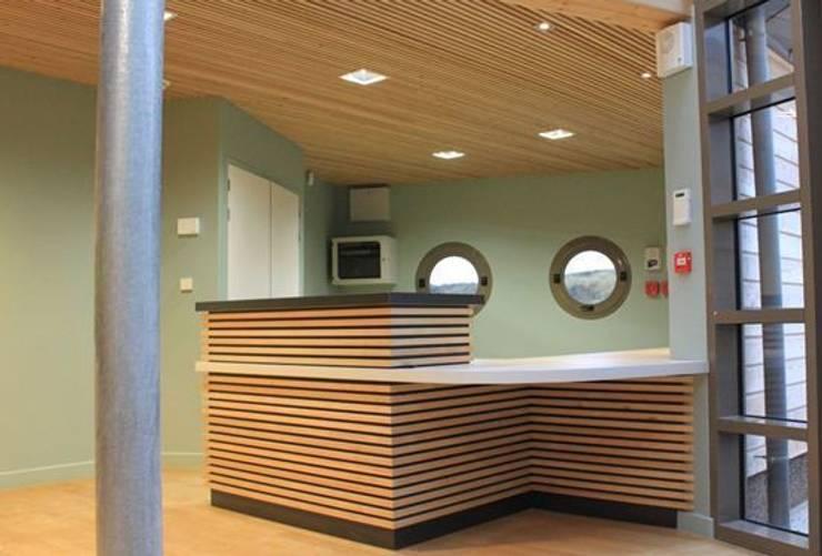 Ecole du Vent de Portbail : Ecoles de style  par JVArchitecte