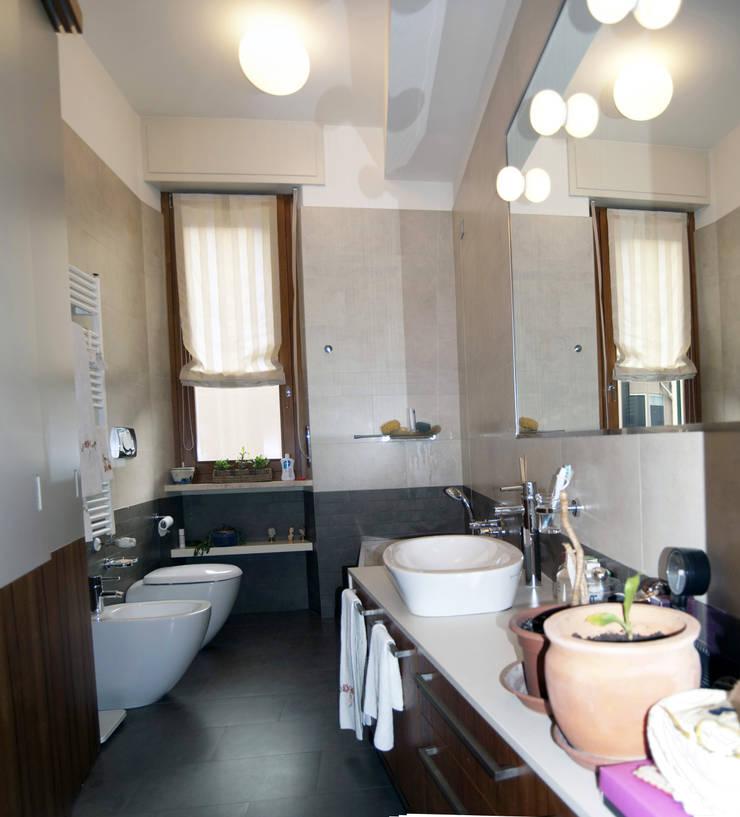 bagno: Bagno in stile  di SENSIBILE DE ROSALES