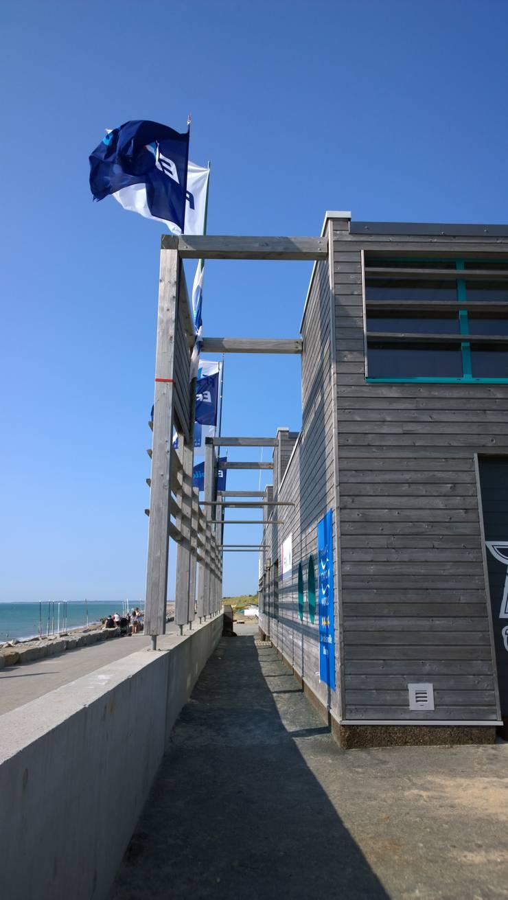 Base Nautique de la Vanlée : Ecoles de style  par JVArchitecte