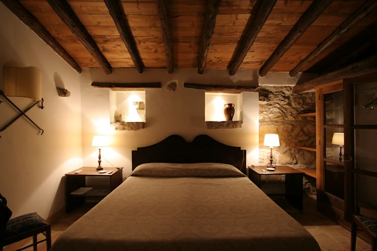 Bedroom by Architetto Giuseppe Prato, Rustic