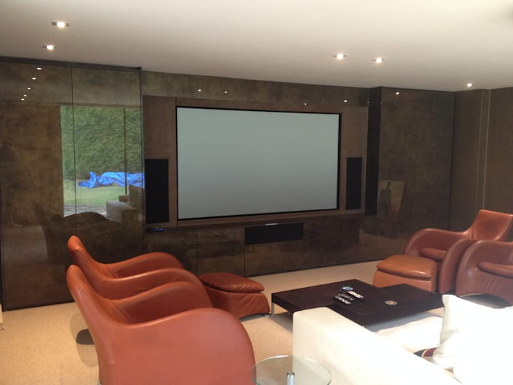Multi Purpose Cinema:  Media room by Designer Vision and Sound