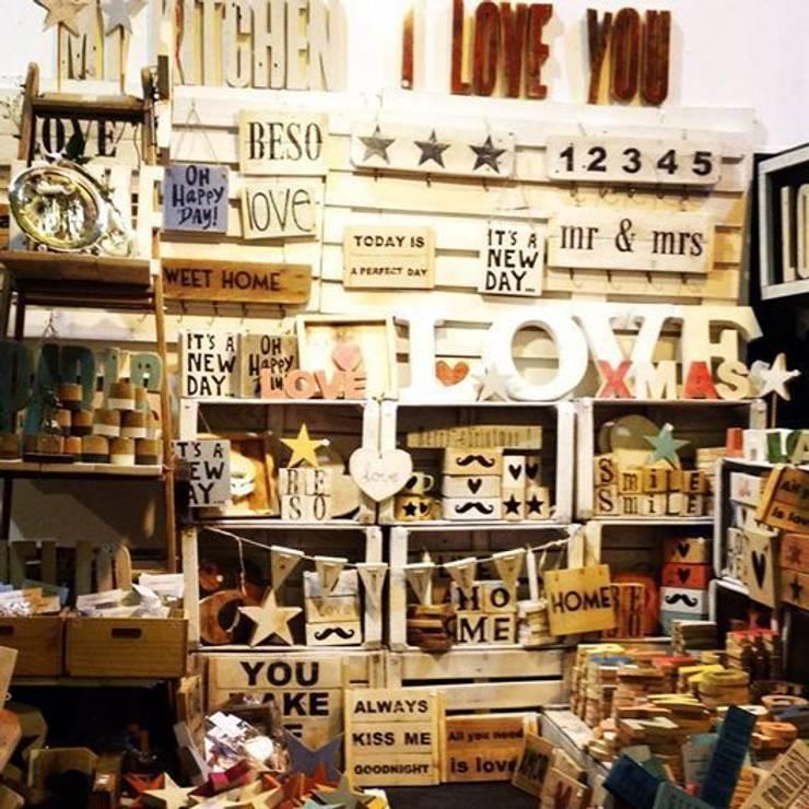Atelier Vintage: Espacios comerciales de estilo  de Atelier Vintage 50
