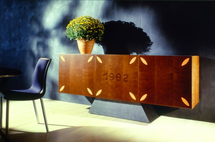 1992 (1992): Sala da pranzo in stile  di Massimo Mariani Architetto