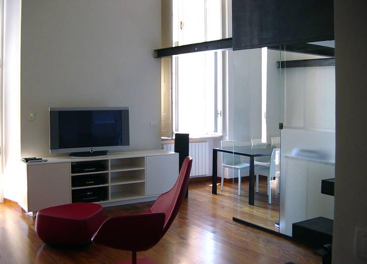 appartamento in piazza della Consolata TORINO: Soggiorno in stile  di BOTTEGA STUDIO ARCHITETTI