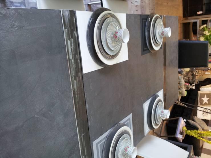 Table à rallonges 2.40x1m: Salle à manger de style  par toujours maison