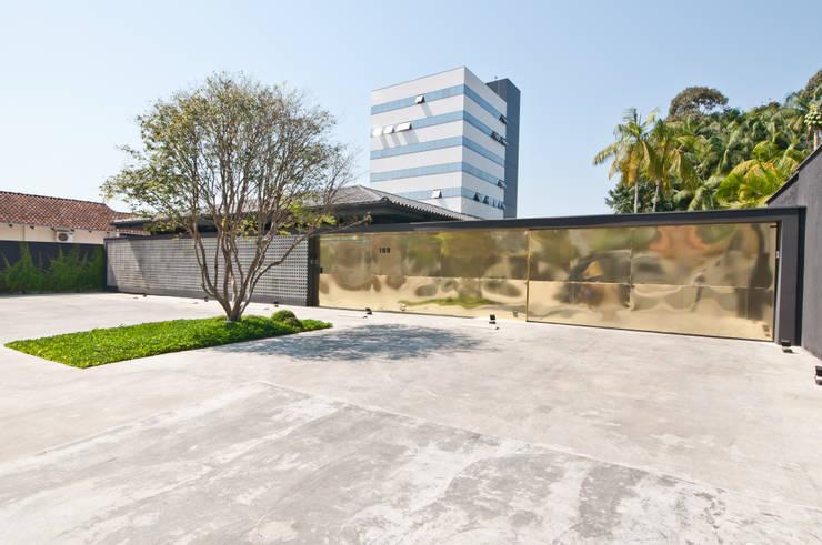 ZAAV Arquitetura - Sede: Escritórios  por ZAAV Arquitetura