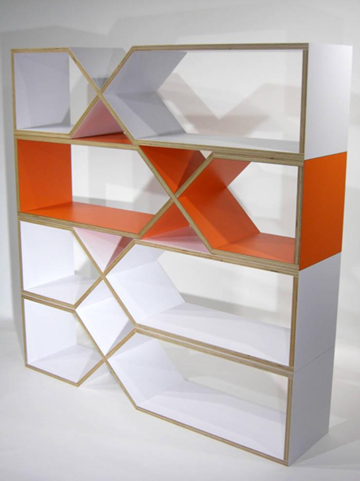 DXDX: MEDIUMが手掛けた多目的室です。