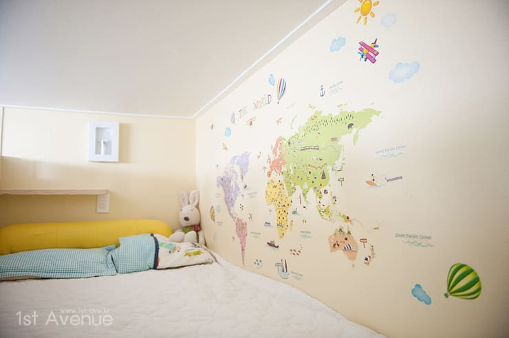 Nursery/kid's room by 퍼스트애비뉴
