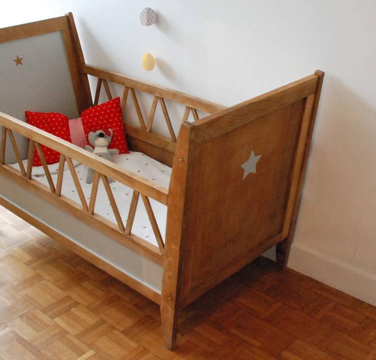 Charles, le lit enfant vintage: Chambre d'enfants de style  par Mademoiselle Minouchette