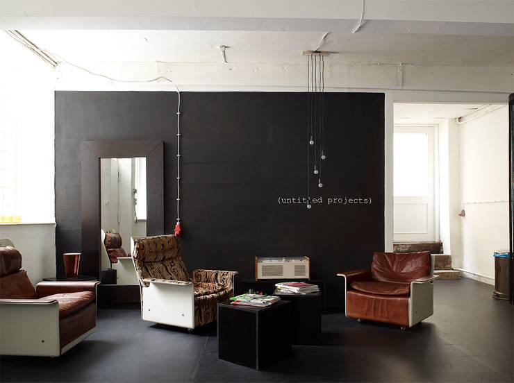 Loungebereich:  Bürogebäude von InteriorPark.
