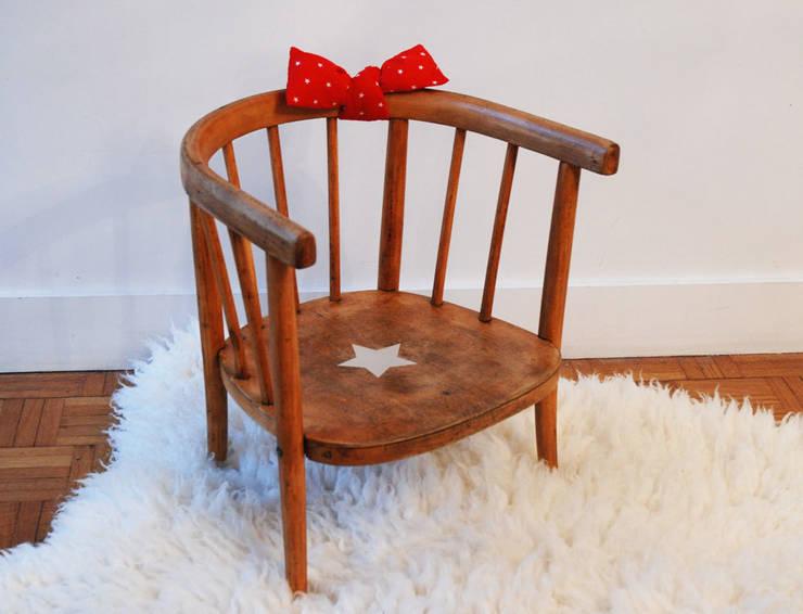 Jeanne, la jolie chaise vintage: Chambre d'enfants de style  par Mademoiselle Minouchette