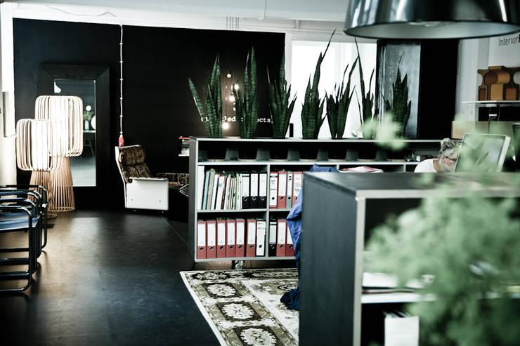 Umbau Druckerei zur Büroeinheit:  Bürogebäude von InteriorPark.