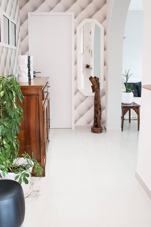 Entée: Couloir et hall d'entrée de style  par B.Inside