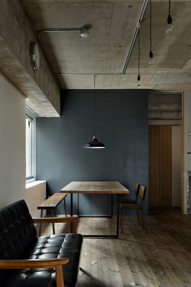 元浅草の住居: 蘆田暢人建築設計事務所 Ashida Architect & Associatesが手掛けたダイニングです。