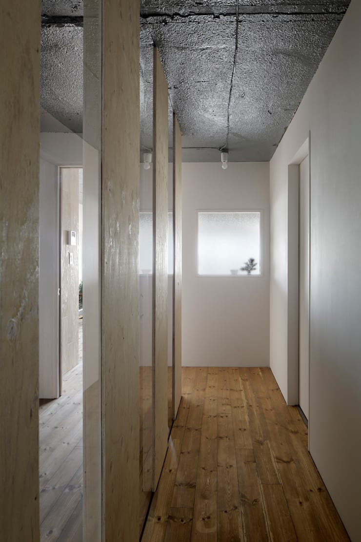Windows by 蘆田暢人建築設計事務所 Ashida Architect & Associates