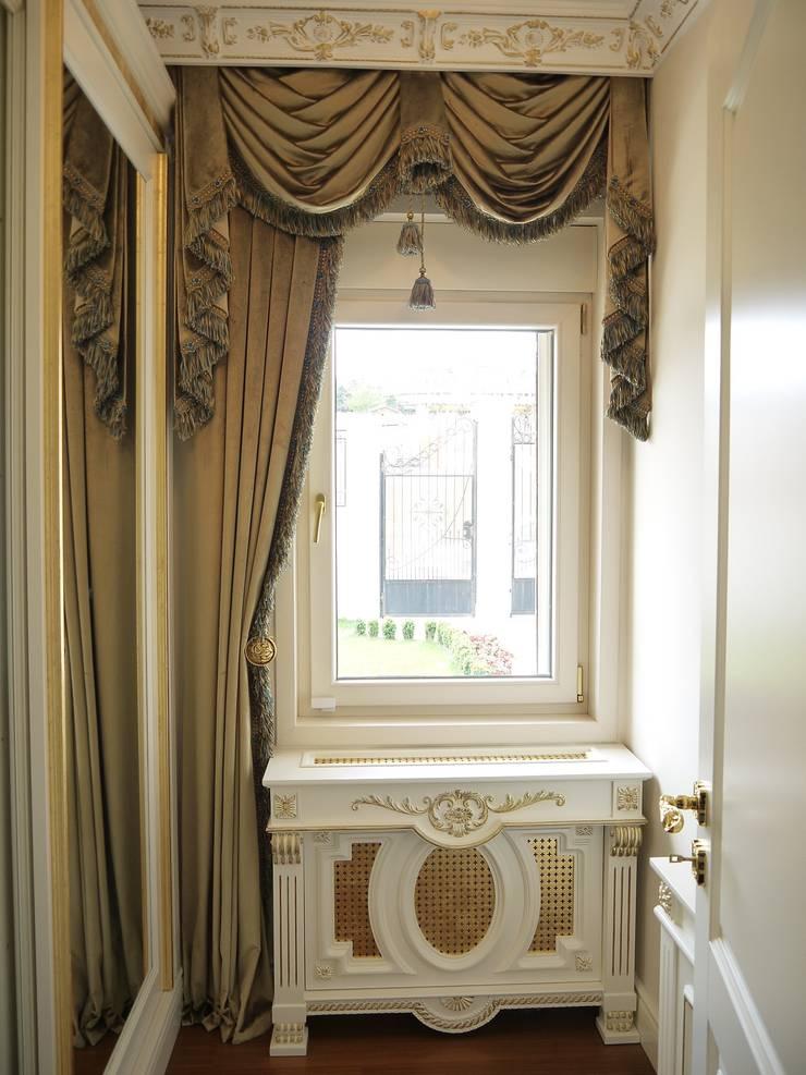 PİLE PERDE – Perde Tasarım:  tarz Giyinme Odası, Klasik