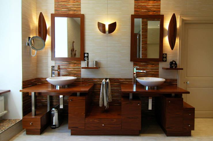Meuble vasques: Salle de bains de style  par ARMOR ARCHITECTURE ASSOCIES