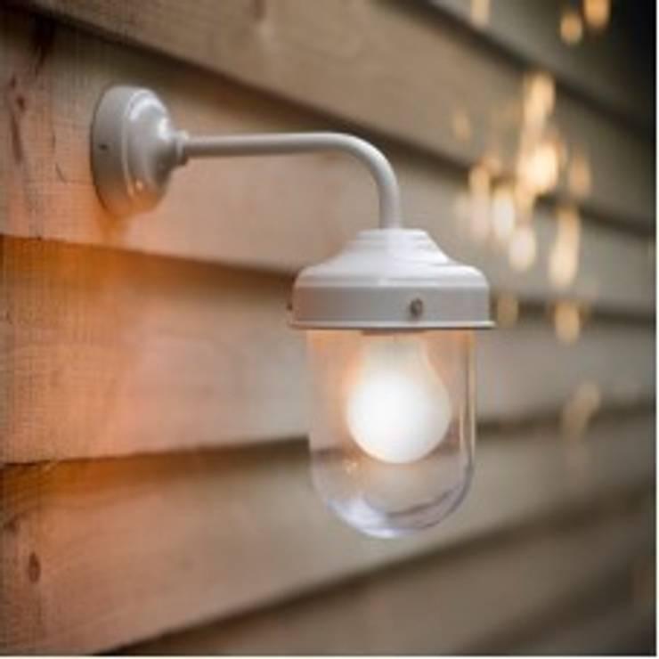 Outdoor Barn light - Mister Smith Interiors:  Garden  by Mister Smith Interiors