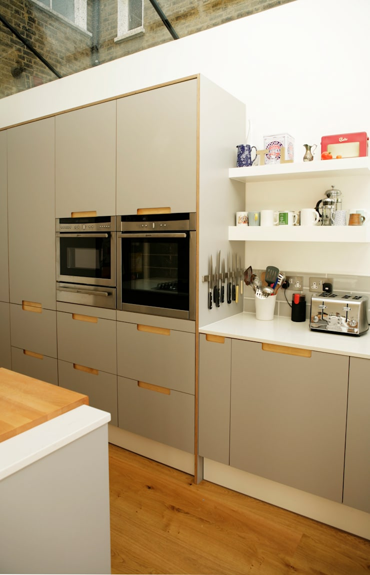 Formica & Birch Ply Doors & Drawer fronts with Integrated Handles:  Kitchen by Matt Antrobus Design
