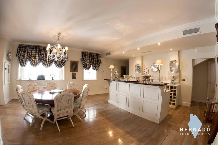 Cocina: Cocinas de estilo  de Bernadó Luxury Houses