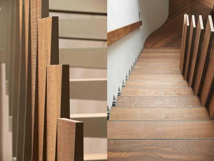 Bespoke Stair Pasillos, vestíbulos y escaleras de estilo moderno de Facit Homes Moderno