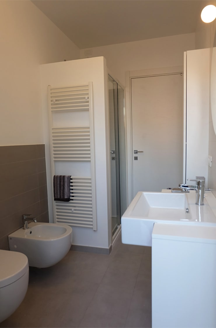 Appartamento 1: Bagno in stile  di Elisa Rizzi architetto,